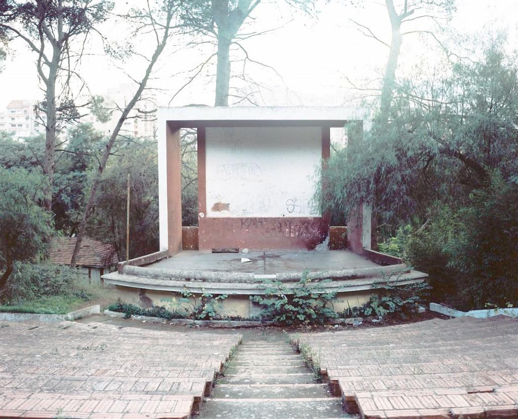 Centre Familial de Ben Aknoun, Ben Aknoun Area. Location of Kateb Yacine's house. Fig.1 : Theatre de verdure. C-Print, 2015. 100 x 120cm